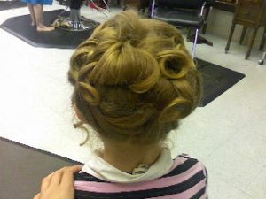 flower girl hair front